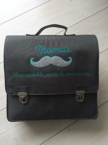 cartable moustachu